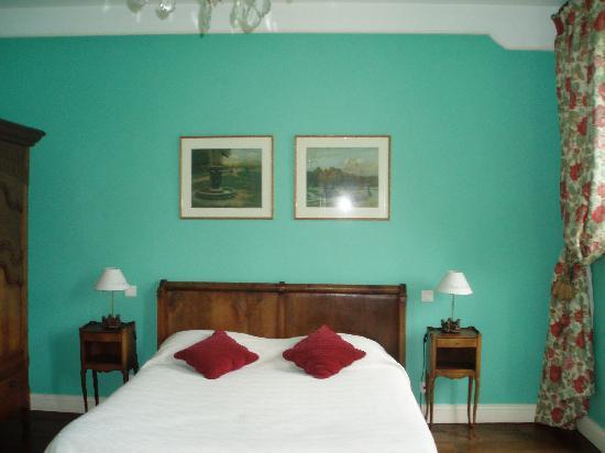 Maison Darthezenea : Bedroom