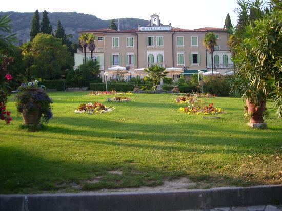 Hotel du Parc: Park mit Hotel