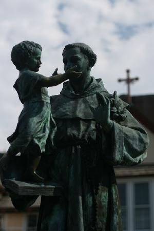 Kennebunkport, ME: St. Anthony's Franciscan Monastery Statue