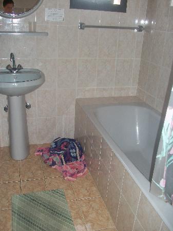 Hadjiantoni Anna Hotel Apartments: Bathroom