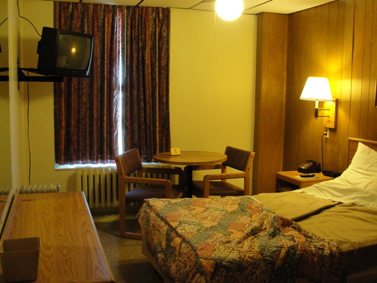 Superior, WI : Basic Single Room