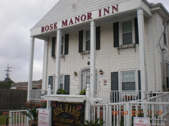 Rose Manor Bed and Breakfast: Main Entrance