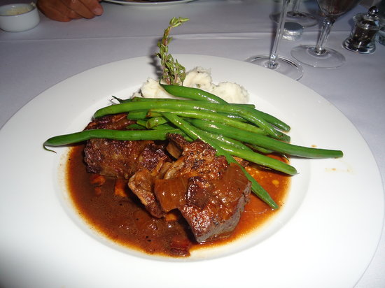 10 Tables: Short ribs with mashed potatoes