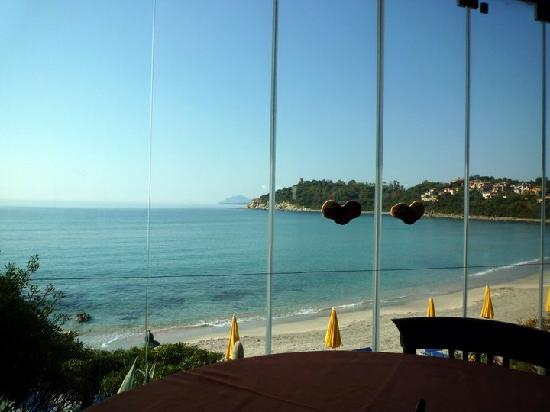 La Bitta Arbatax: View of the beach at breakfast