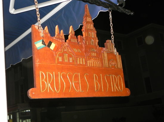 Brussels Bistro: Here is the sign outside of the establishment.