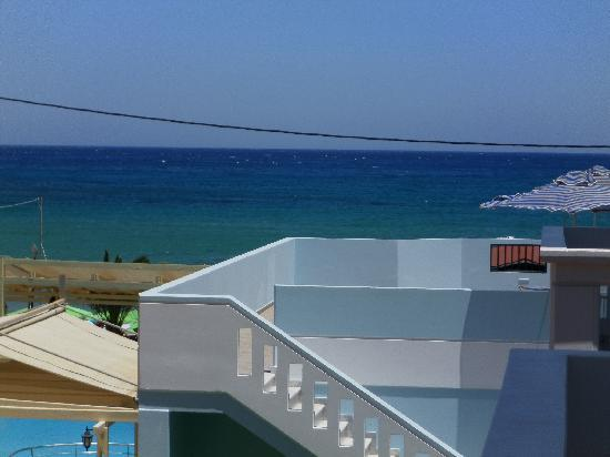 Deep Blue Sea at Georgioupolis: roof balcony with 2 rooms