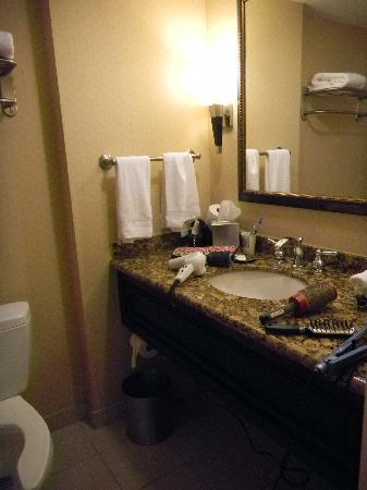 WinStar World Casino Hotel: sink area