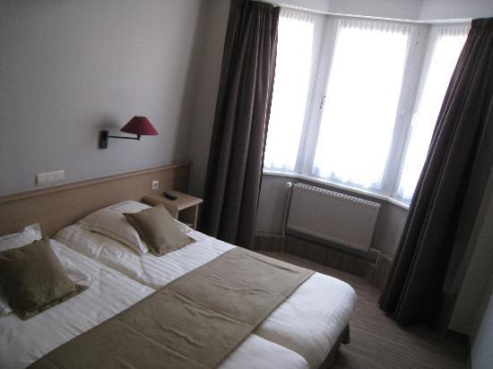Ambassador Hotel : Chambre