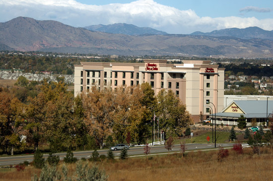 Hampton Inn & Suites Denver Highlands Ranch: Scenic Views of Rockies from Every Room