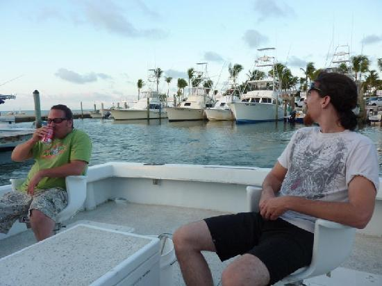 Reef Runner Charters: Headin Out
