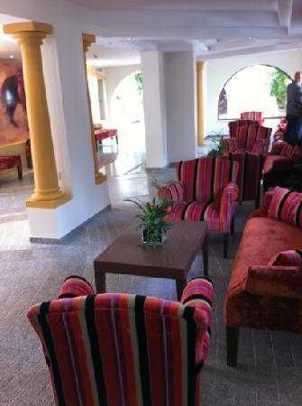 Globales Cortijo Blanco Hotel: hall