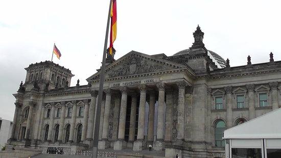 Humboldt Tours Berlin -Tours: Reichtag