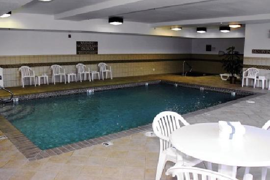 Country Inn & Suites By Carlson, Richmond West at I-64: Enjoy our luxurious heated indoor pool