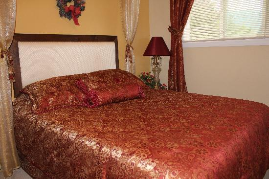 Alpenrose Bed and Breakfast: MacPherson Room Q w/ensuite