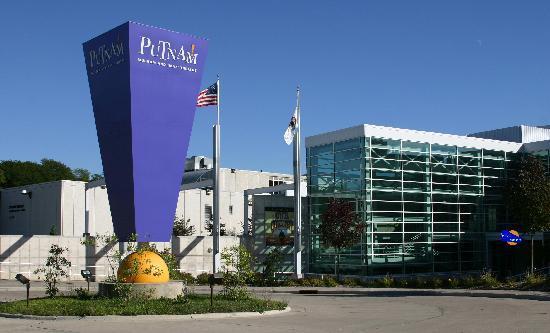 Davenport, IA: Explore the Putnam Museum & IMAX Theatre