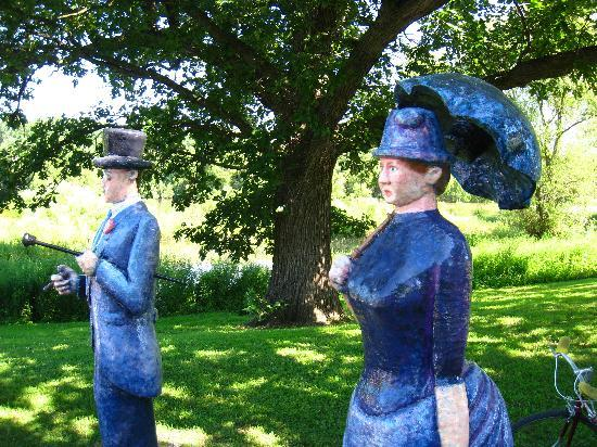Davenport, IA: See the Seurat Statues on Credit Island