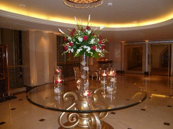 Emirates Palace: One of the many displays