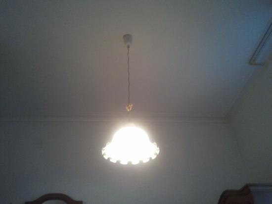 Xenia Hotel: die Lampe?