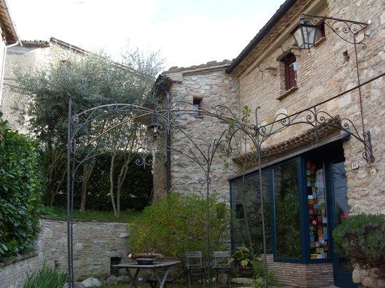 Il giardino degli ulivi prices b b reviews for Il giardino degli ulivi monteviale