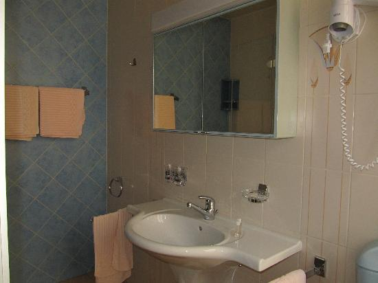 Hotel du Soleil: Baño
