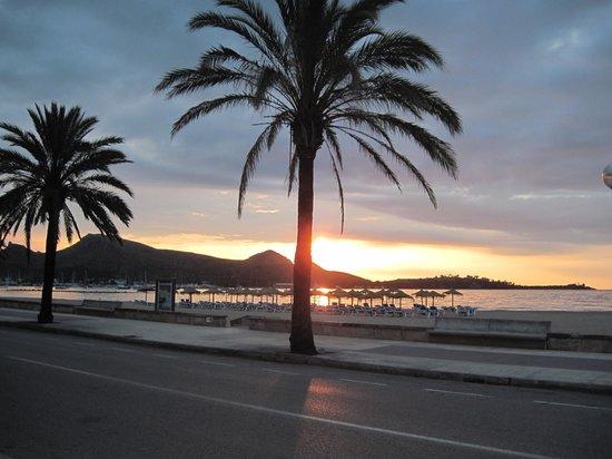 Romantic Hotel: Romantic sunrise