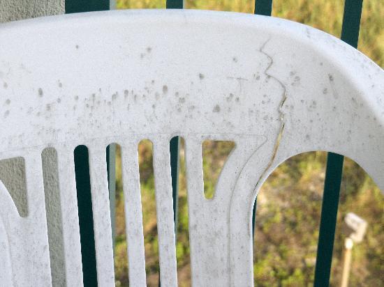 Jade East Towers : Broken Resin Chair