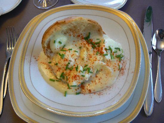 Gite Saint-Laurent : petit déjeuner délicieux et copieux