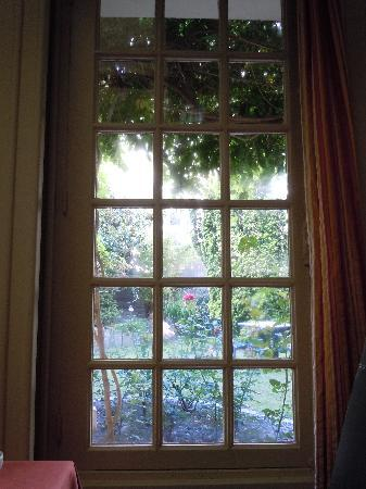 Hotel Metropole : View of garden