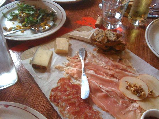Davanti Enoteca : Cured meat and cheeses