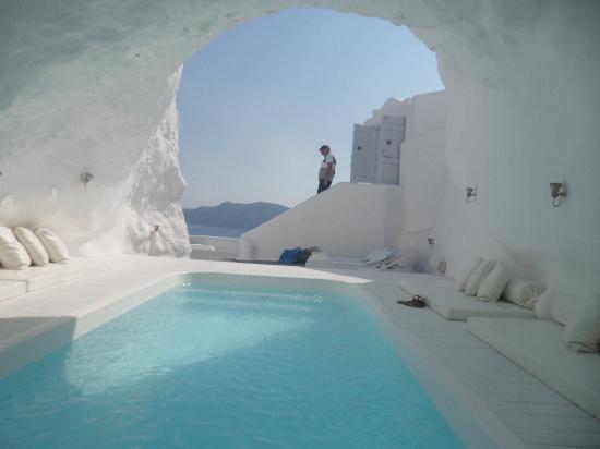 Cave Pool Picture Of Katikies Hotel Oia Tripadvisor