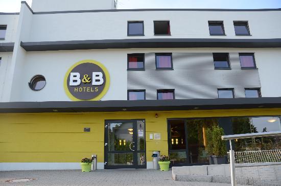 B&B Hotel Koblenz: Eingangsbereich des Hotels