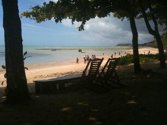 Pousada Enseada do Espelho: beach view from pousada