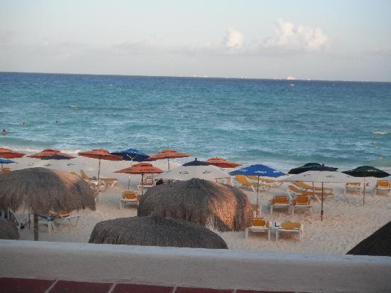 Pelicano Inn: view from oceanfront room