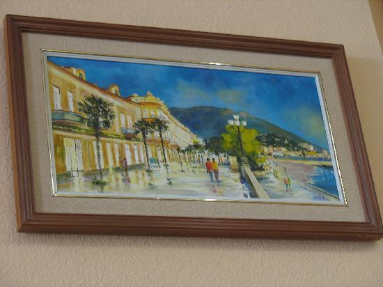 Bristol Hotel : Painting of boulevard in lobby