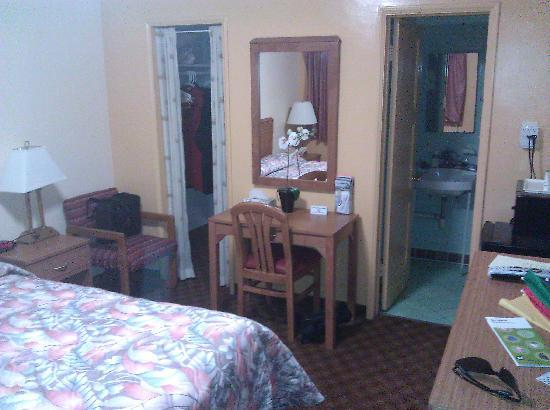 Jerry's Motel: Clean, cozy, quaint and comfortable.
