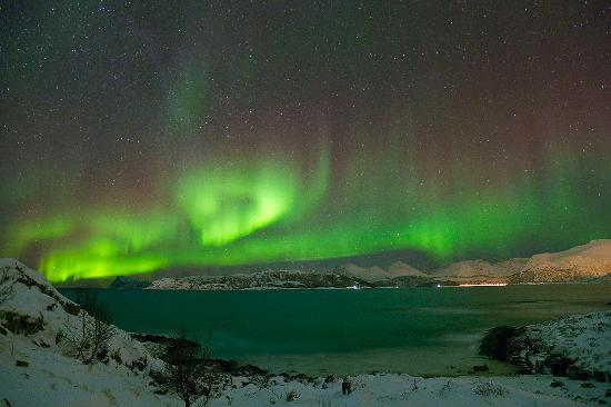 Sommaroy Arctic Hotel Tromso: Northern Lights from Sommaroy