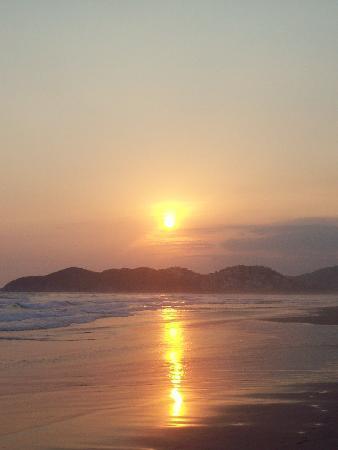 The Grand Mayan at Vidanta Acapulco: Sunset from Grand Mayan beach