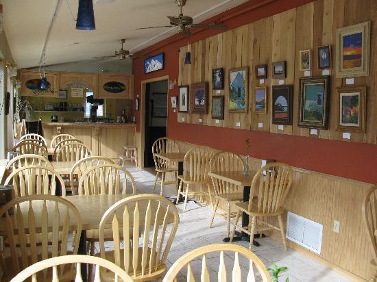 Riverwalk Inn: cafe