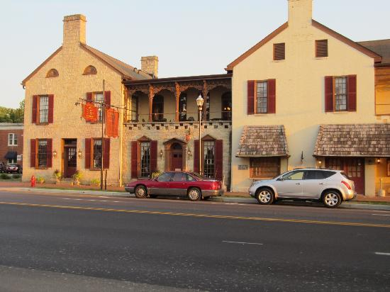 Old Talbott Tavern: Talbott Tavern and Inn