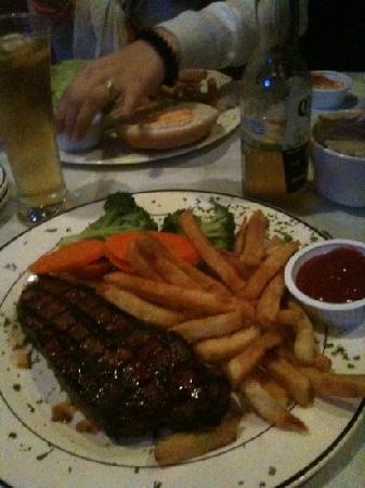 O'Casey's: NY tenderlion steak