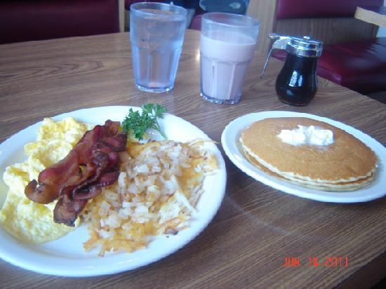 Belgian Waffle & Pancake House: The Lumberjack with Scrambled eggs and Pankcakes!!!! Delish!!!!