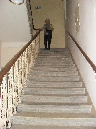 Pension Primavera: 88 Stairs