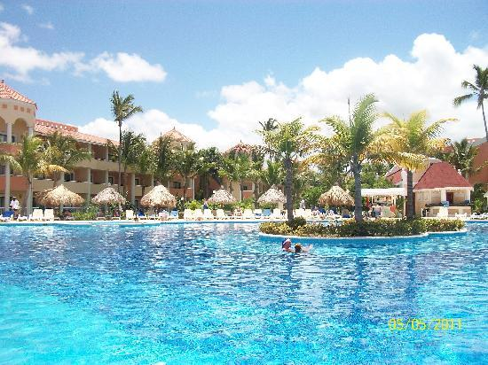 Luxury Bahia Principe Ambar Blue Don Pablo Collection: Adult only swimming pool with swim up bar