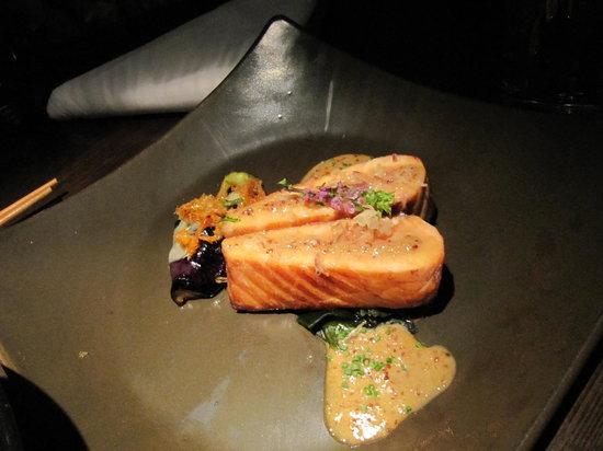 Aqua Roma, Aqua Tokyo & Aqua Spirit : Salmon steak