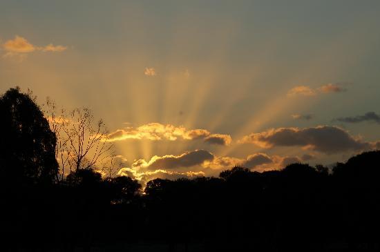 Bullsbrook Chalets : Beautiful Sunsets!