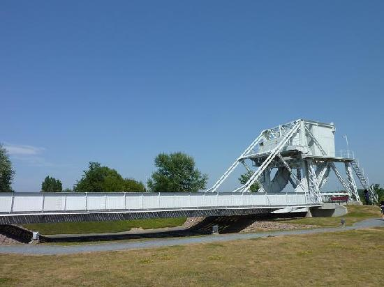 Best Western La Mare O Poissons : Pegasus-bridge saved, a short drive from the hotel.