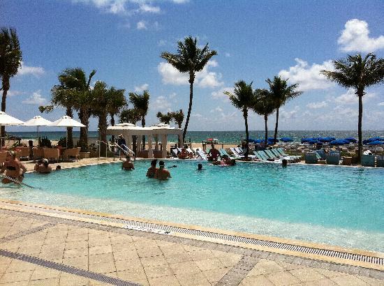 Sheraton Pool Beach Fll Picture Of B Ocean Resort Fort
