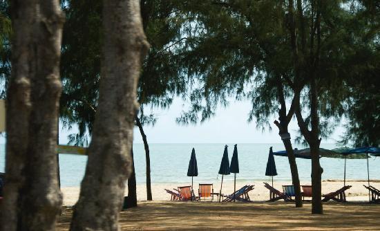 Phetchaburi Province, Thailand: Hat Cha-am