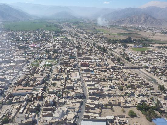 Hospedaje Brabant Hostel: Nazca from plane