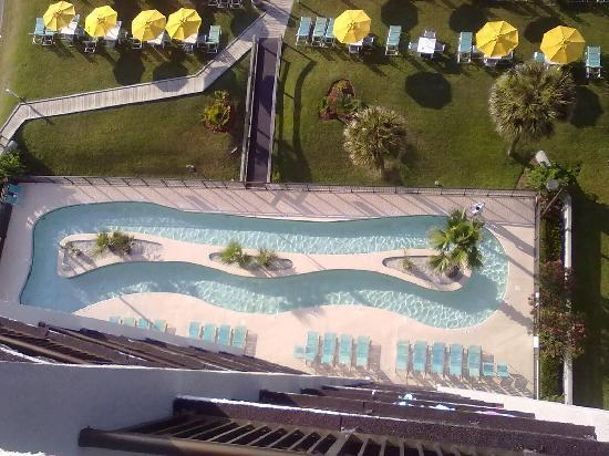 Dayton House Resort: Balcony shot of the lazy river